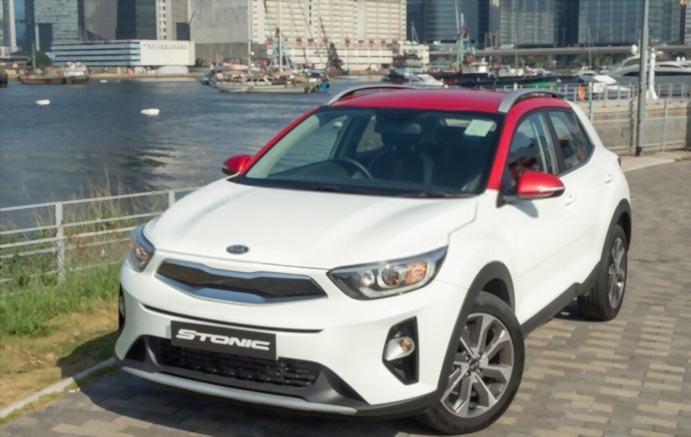 Kia Stonic Is Best | Toyota Yaris Cross Lets Comparison